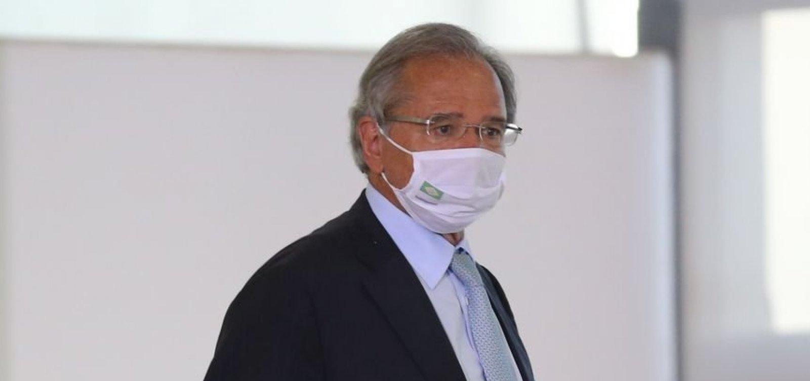 Guedes afirma que o governo pagará mais três meses de auxílio emergencial