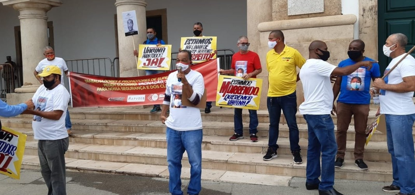 Por vacina, trabalhadores dos supermercados vão recorrer ao MP após serem ignorados pela Prefeitura