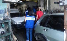 Oficinas que realizavam descarte irregular de óleo são autuadas