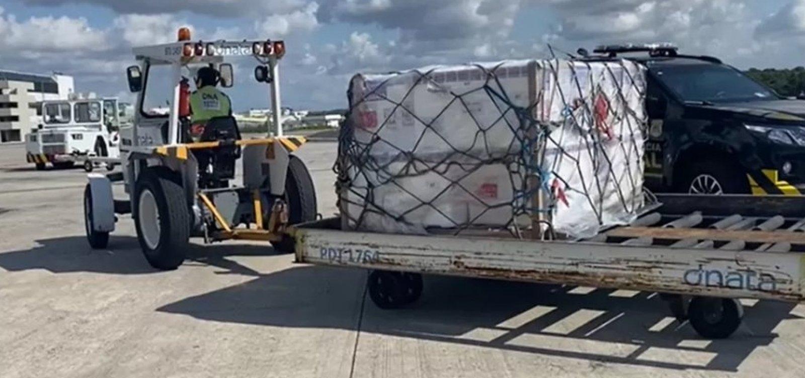 Bahia recebe 143 mil doses da CoronaVac; lote é o primeiro após retomada da produção