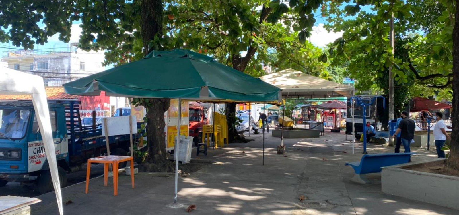 """Ambulantes criticam desocupação de praça em Pernambués; Semop diz que foi de """"comum acordo"""""""