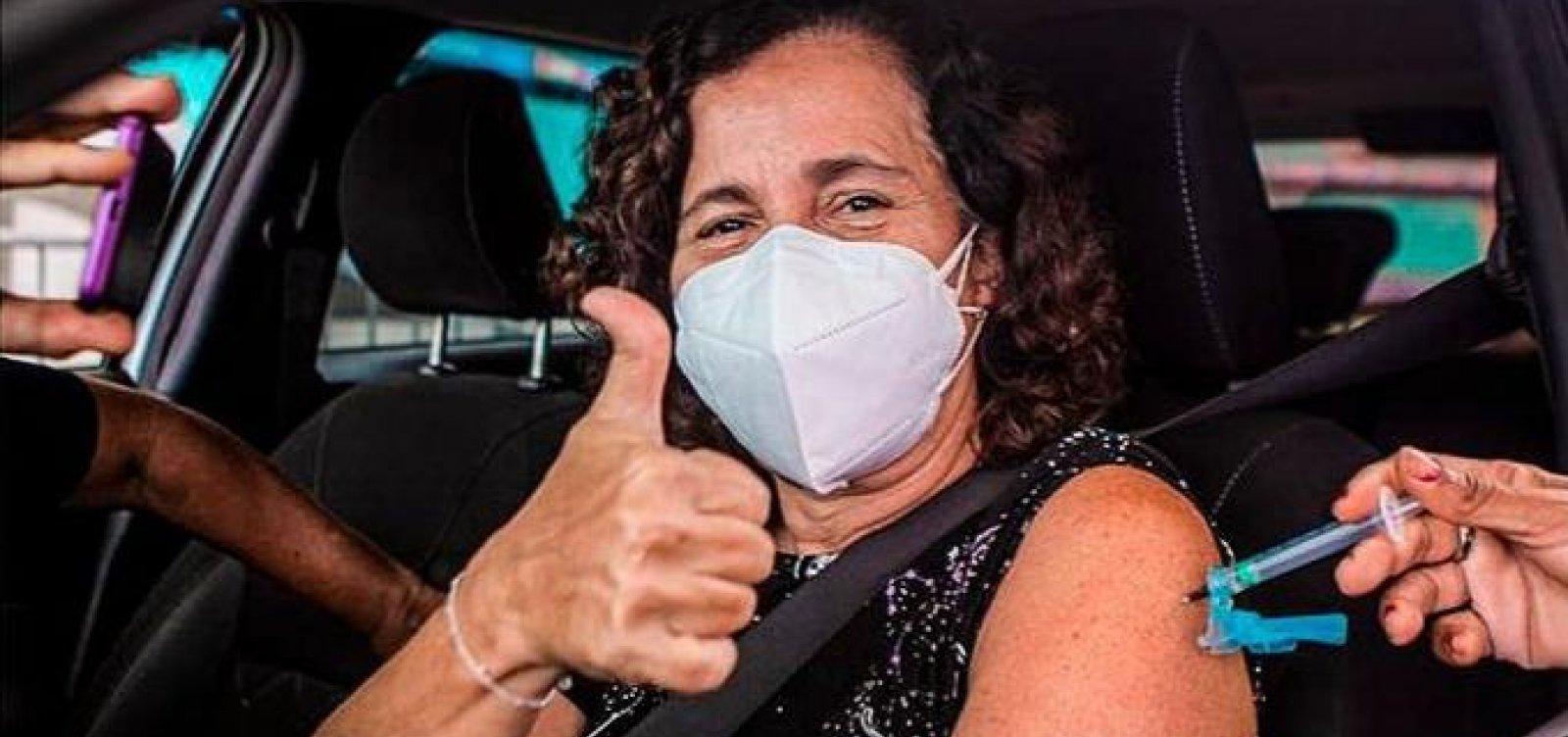 Salvador vacina pessoas de 47 anos ou mais nesta segunda
