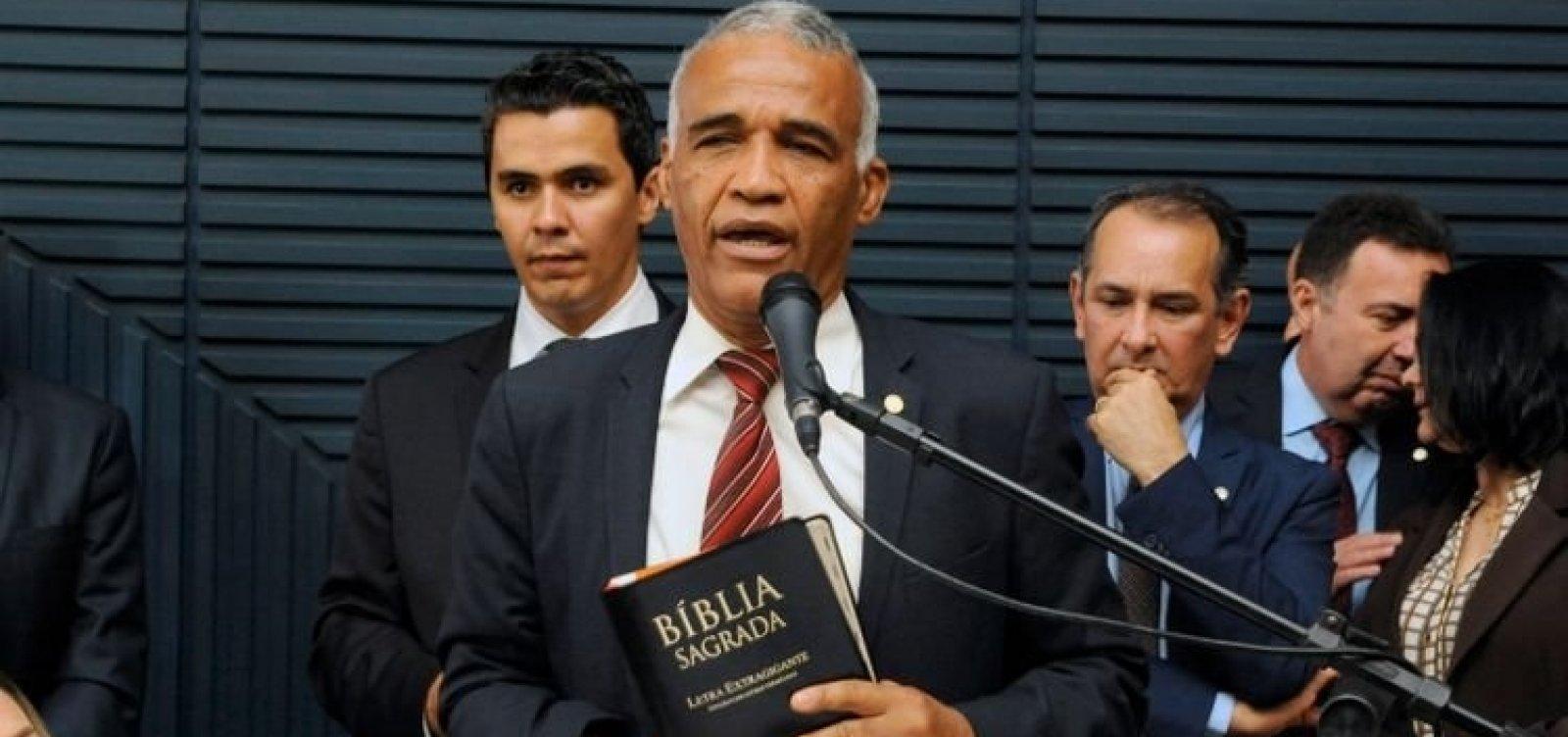 Cinco deputados baianos assinam recurso para barrar remédios à base de maconha