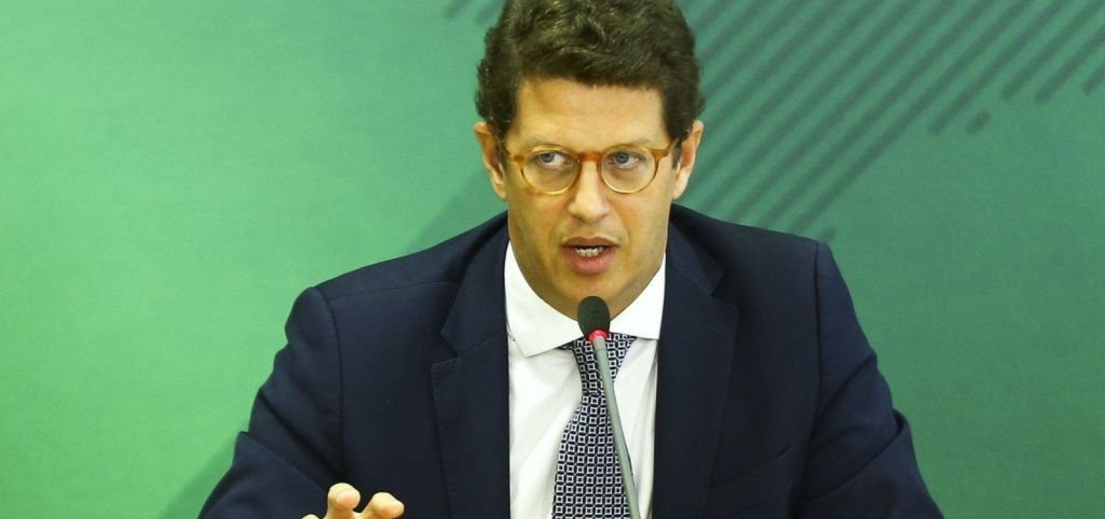 Na mira da Justiça, ministro Ricardo Salles pede demissão