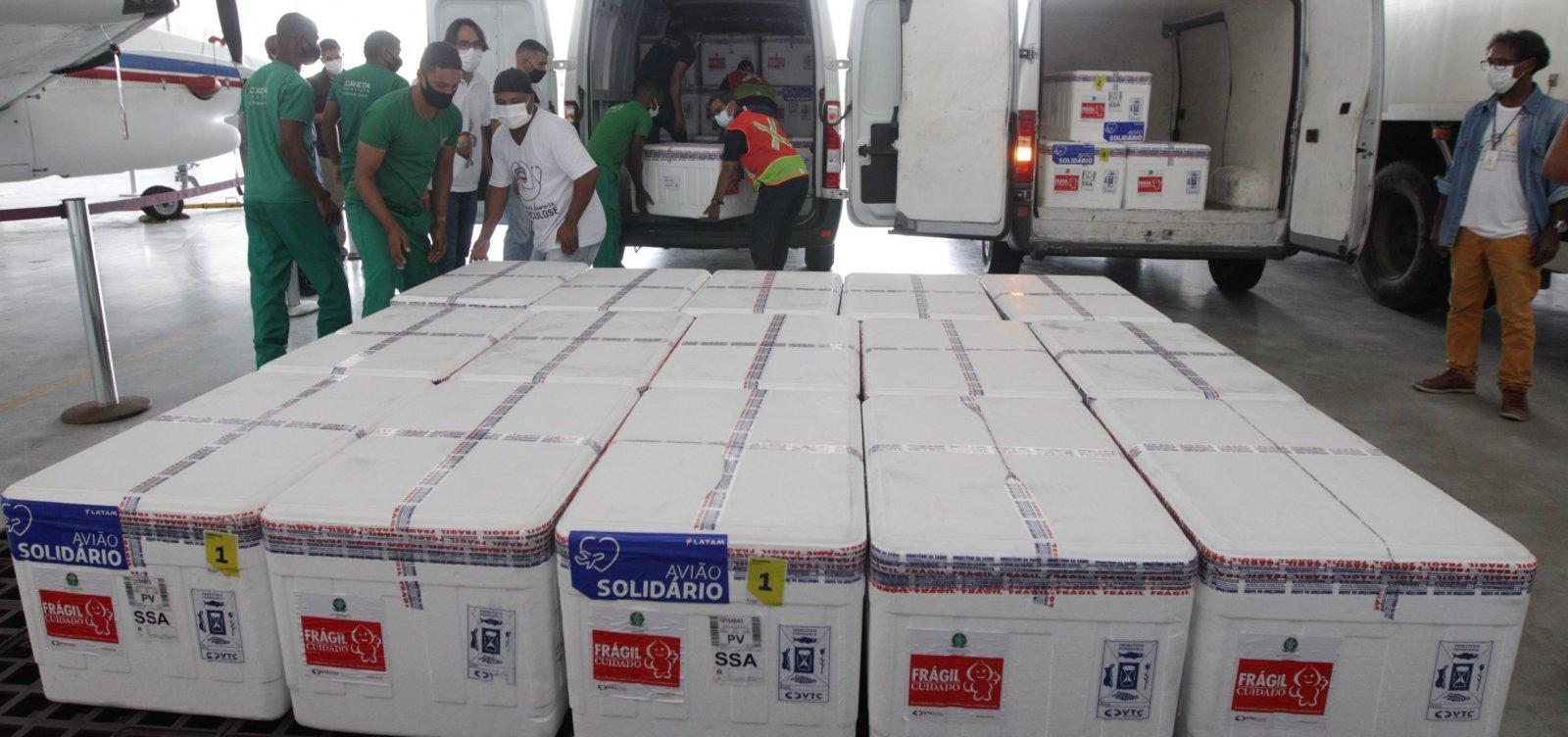 Bahia recebe 425 mil vacinas da Coronavac, Pfizer e Janssen nesta quinta