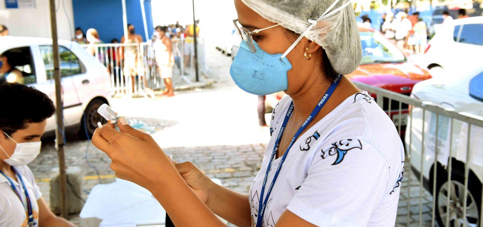 Vacinação contra Covid retoma para 46 e 45 anos neste fim de semana em Salvador