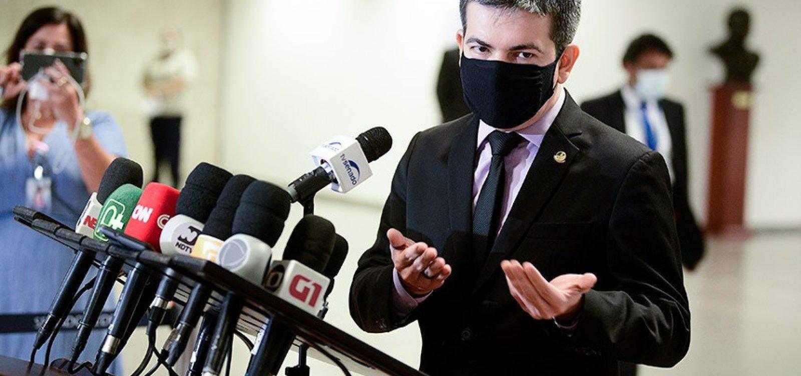 Senadores apresentam no STF notícia-crime contra Bolsonaro por prevaricação