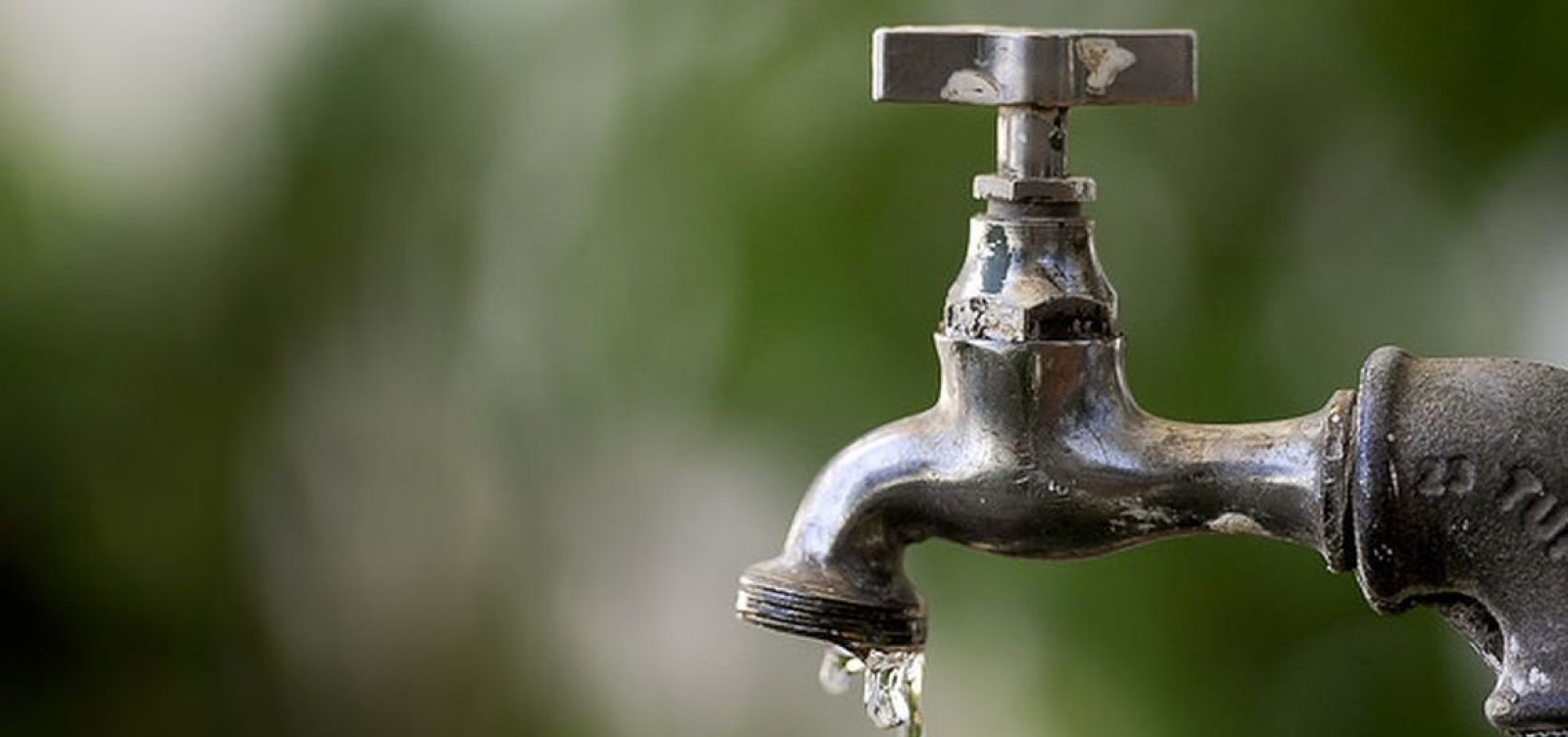 Embasa anuncia suspensão do fornecimento de água em Feira de Santana; confira