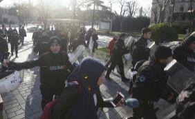 """""""Terrorismo"""": explosão de bomba deixa mais de 10 mortos em Istambul"""