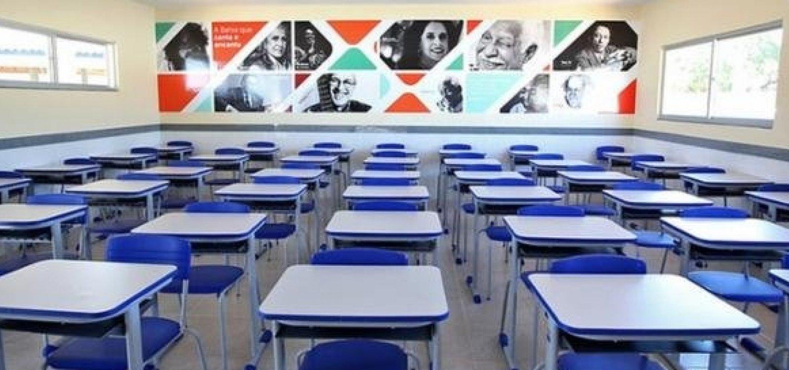Governo confirma retorno de aulas com rodízio e presença de 50% dos estudantes