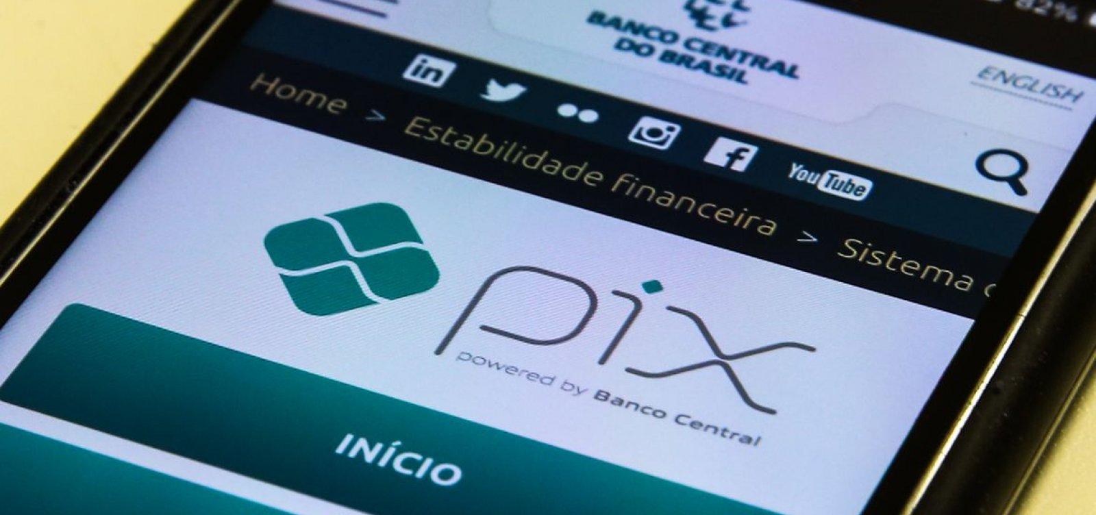 Banco Central abre caminho para uso do Pix pelo WhatsApp e em e compras online