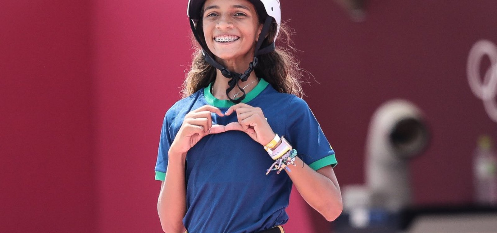 Com uma medalha de prata, Rayssa Leal se torna medalhista mais jovem do Brasil