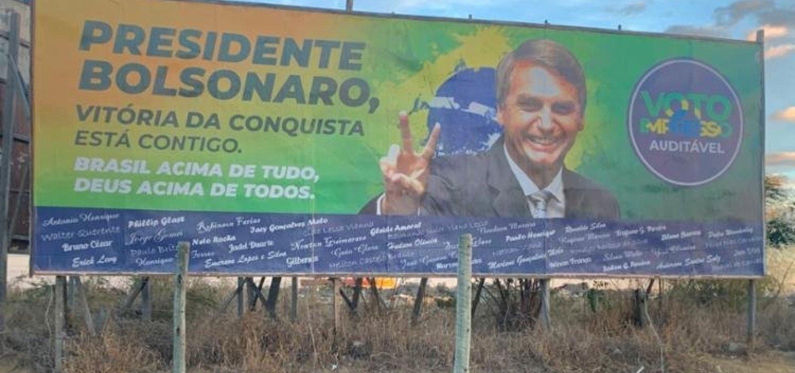 Apoiadores de Bolsonaro intensificam 'batalha' do outdoor no interior da Bahia
