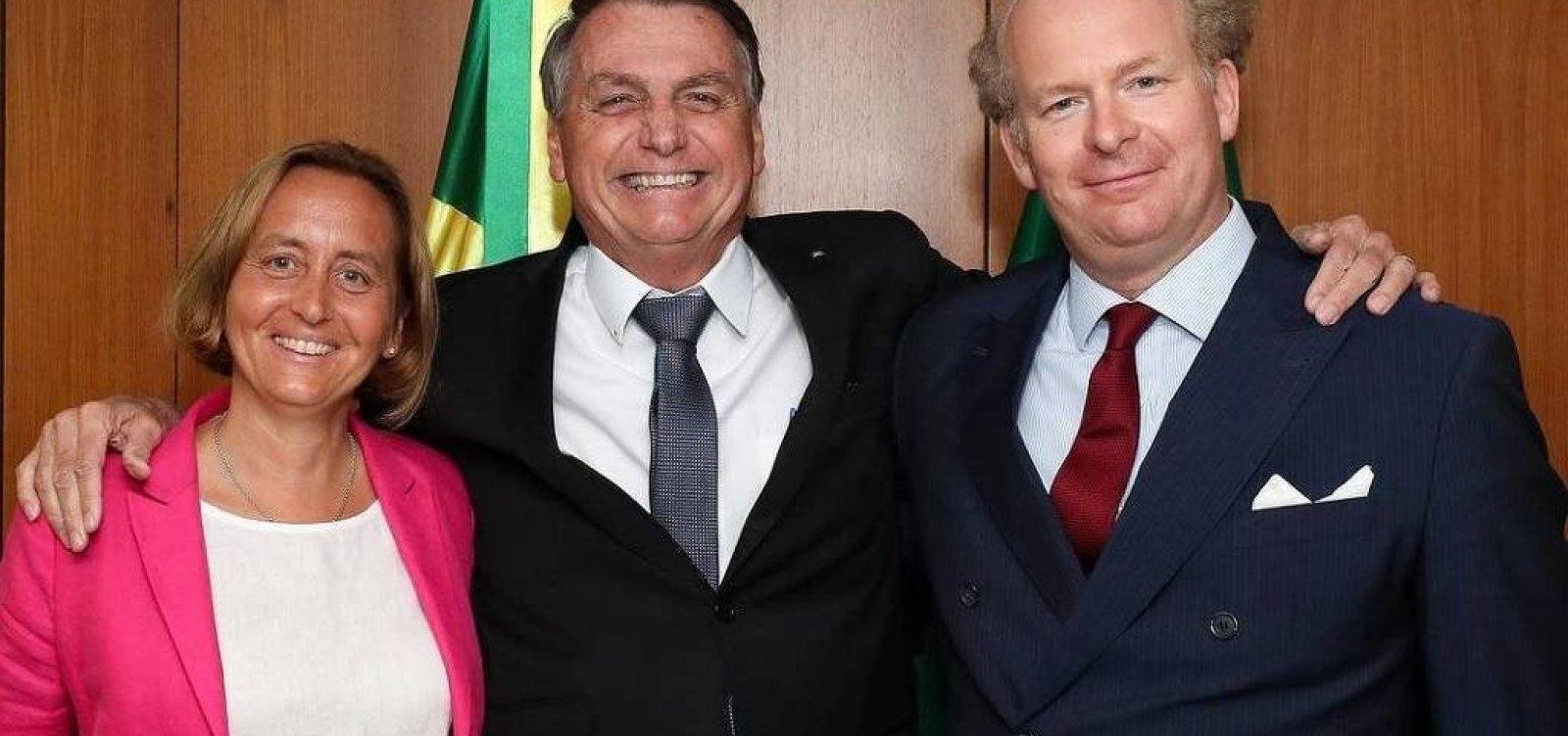 Fora da agenda, Bolsonaro recebe deputada da ultradireita alemã neta de ministro nazista