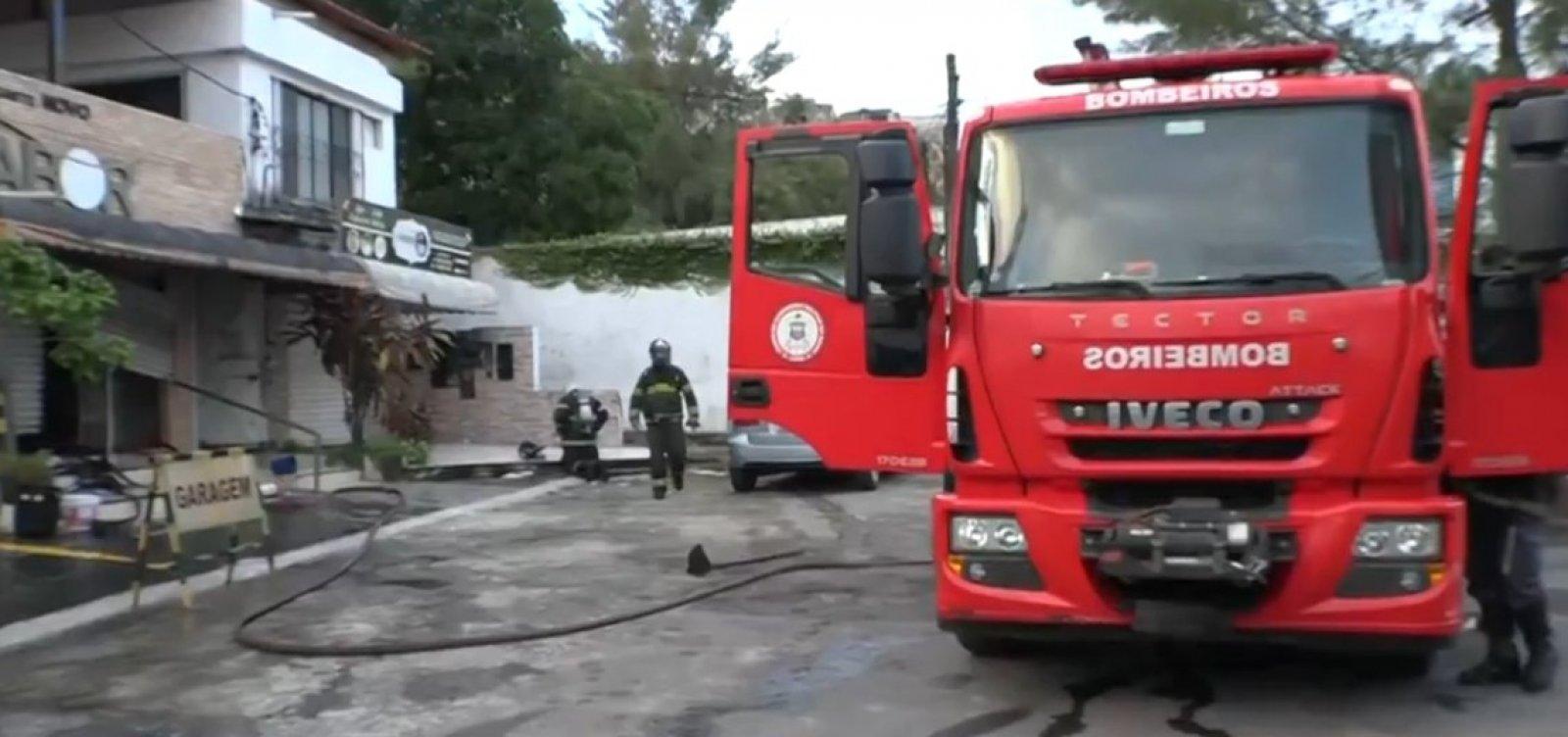 Incêndio atinge restaurante no bairro da Santa Cruz, em Salvador