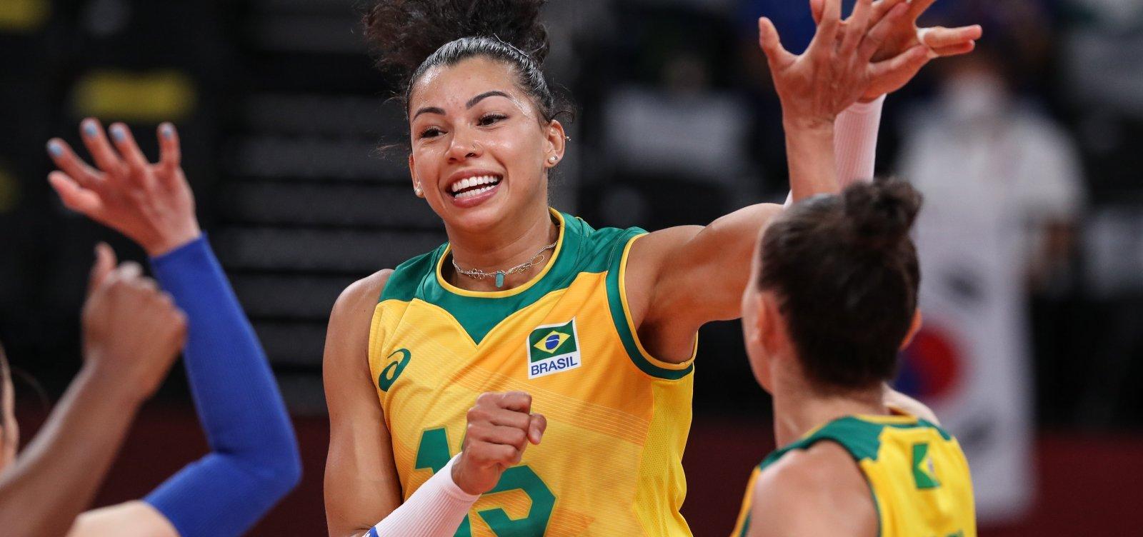 Em jogo disputado, vôlei feminino vence República Dominicana em Tóquio
