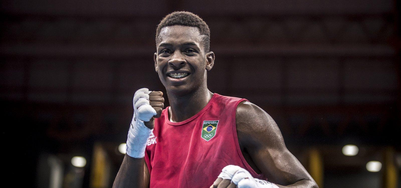 Baiano Keno Marley avança para as quartas de final no boxe