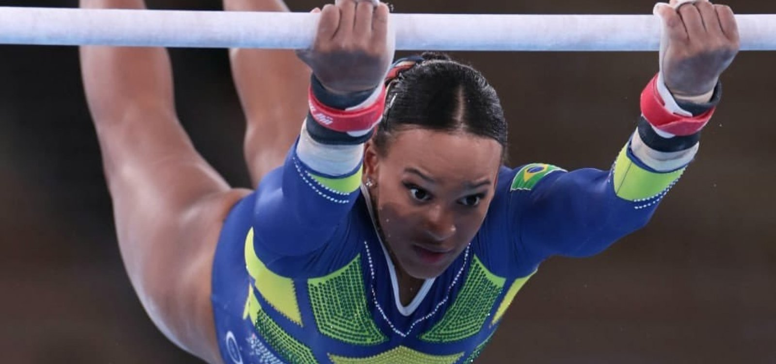 Rebeca Andrade conquista prata e a primeira medalha da ginástica feminina