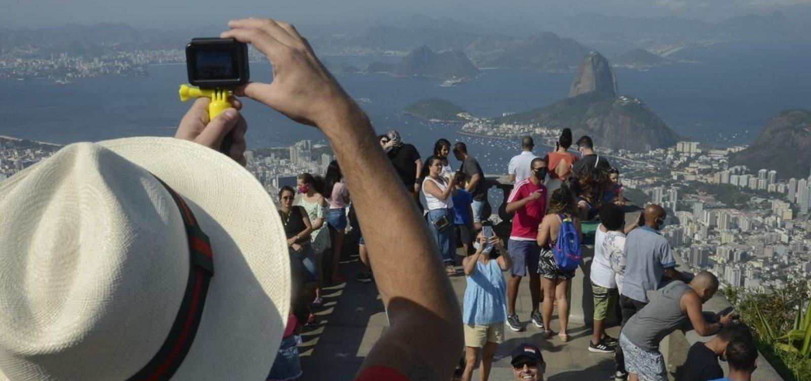 Rio anuncia reabertura da cidade em setembro, com público nos estádios e shows pelas ruas