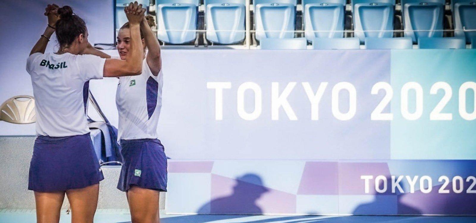 Laura e Luisa viram sobre russas e faturam medalha inédita do tênis brasileiro