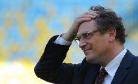 """""""Chute no traseiro"""": ex-secretário Jerome Valcke é demitido da Fifa"""