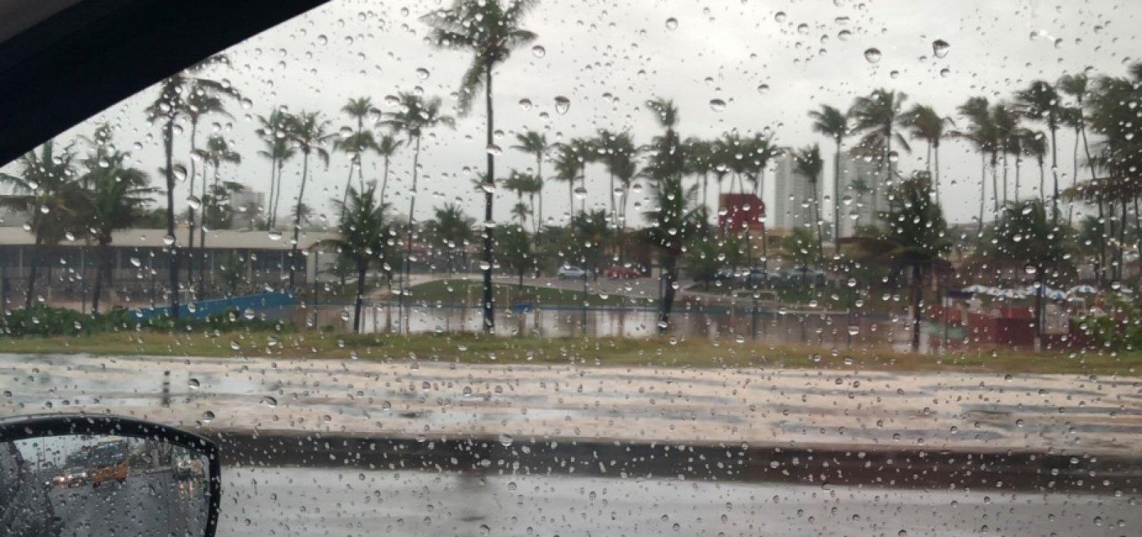 Fim de semana em Salvador será de tempo chuvoso e ventos fortes
