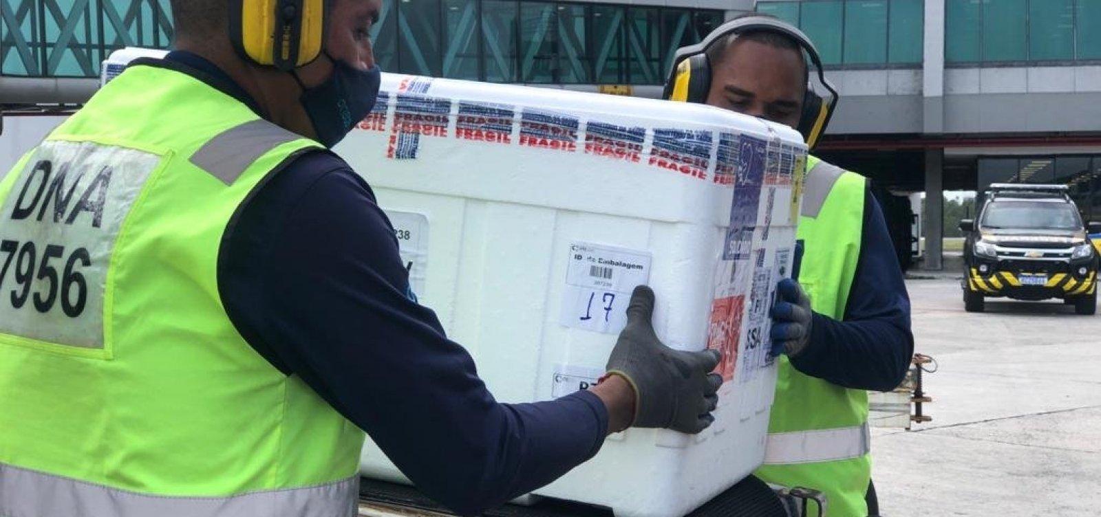 Remessa com mais de 224 mil doses de Coronavac chega à Bahia