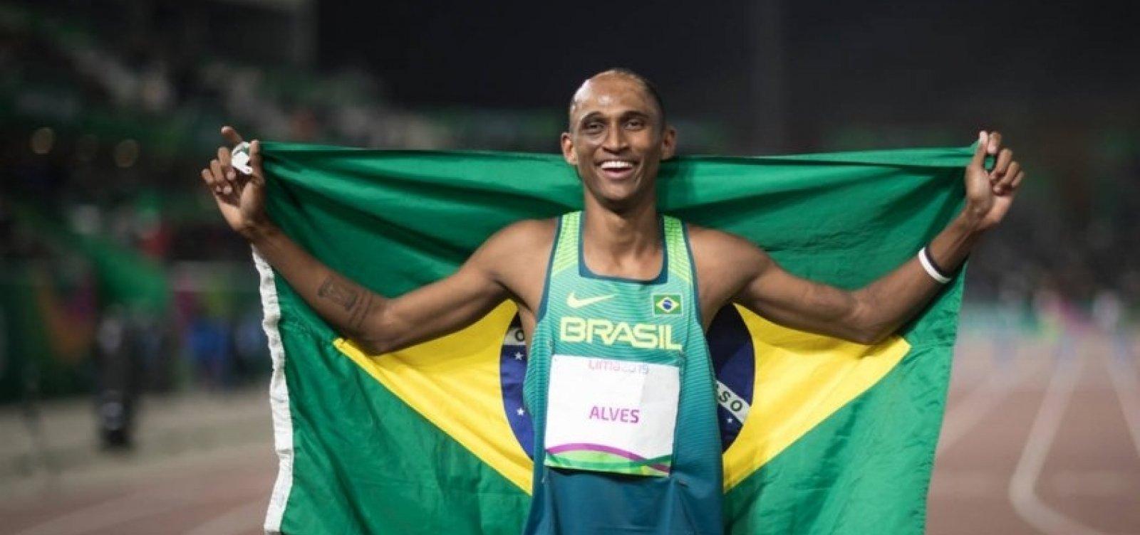 Olimpíadas 2020: Brasileiro Alison dos Santos vai à final dos 400m com barreiras