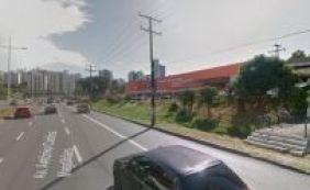 Casa lotérica é assaltada por três homens na Avenida ACM