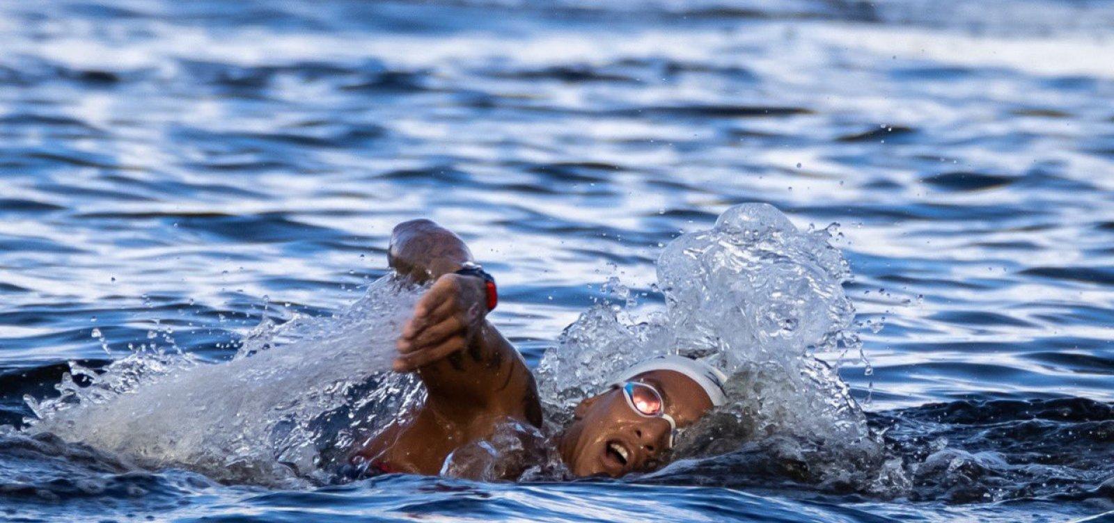 Aos 29 anos, baiana Ana Marcela conquista o ouro olímpico na maratona aquática
