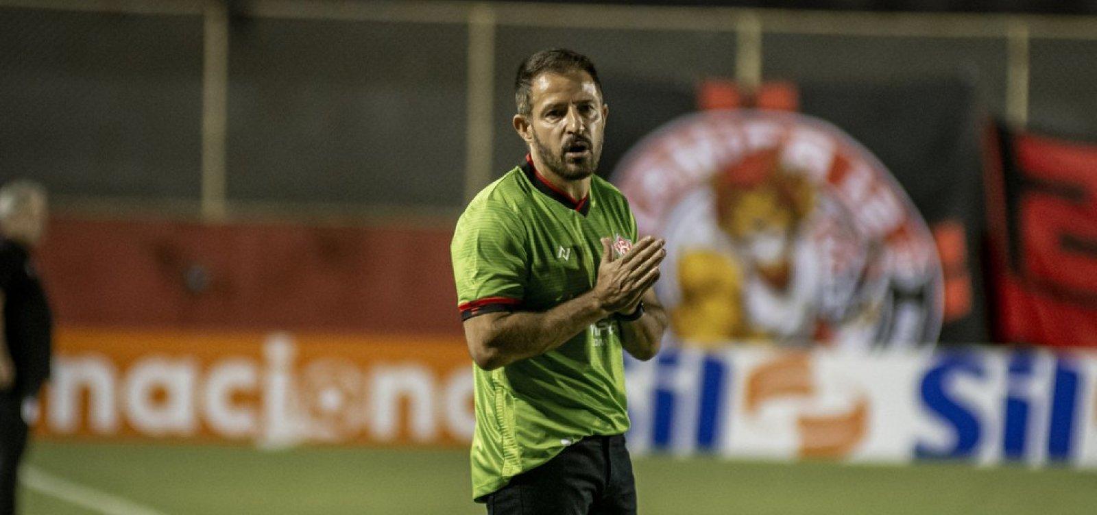 Com apenas 31% de aproveitamento, Ramon Menezes é demitido do Vitória