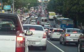 Trânsito: motoristas enfrentam complicações no Rio Vermelho e Centro