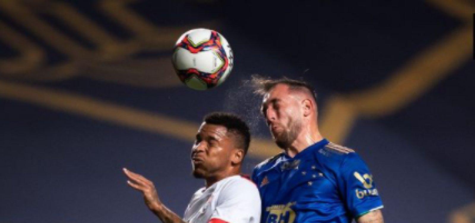 Vitória fica no empate em 2 a 2 diante do Cruzeiro e permanece no Z-4