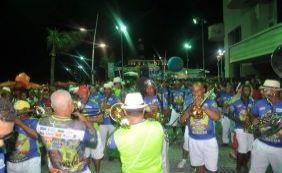 Carnaval: Banda Habeas Copos abre folia com homenagem aos 25 anos do Projeto Axé