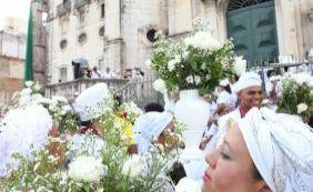 Fiéis se reúnem para iniciar Lavagem do Bonfim; confira fotos