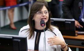 """Alice Portugal nega gasto excessivo do """"cotão"""" e ameaça processar jornalista"""
