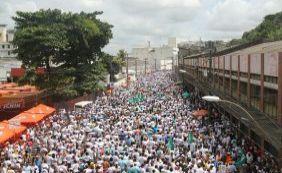 Marcelo Nilo deixa comitiva do governador ainda no início do cortejo do Bonfim
