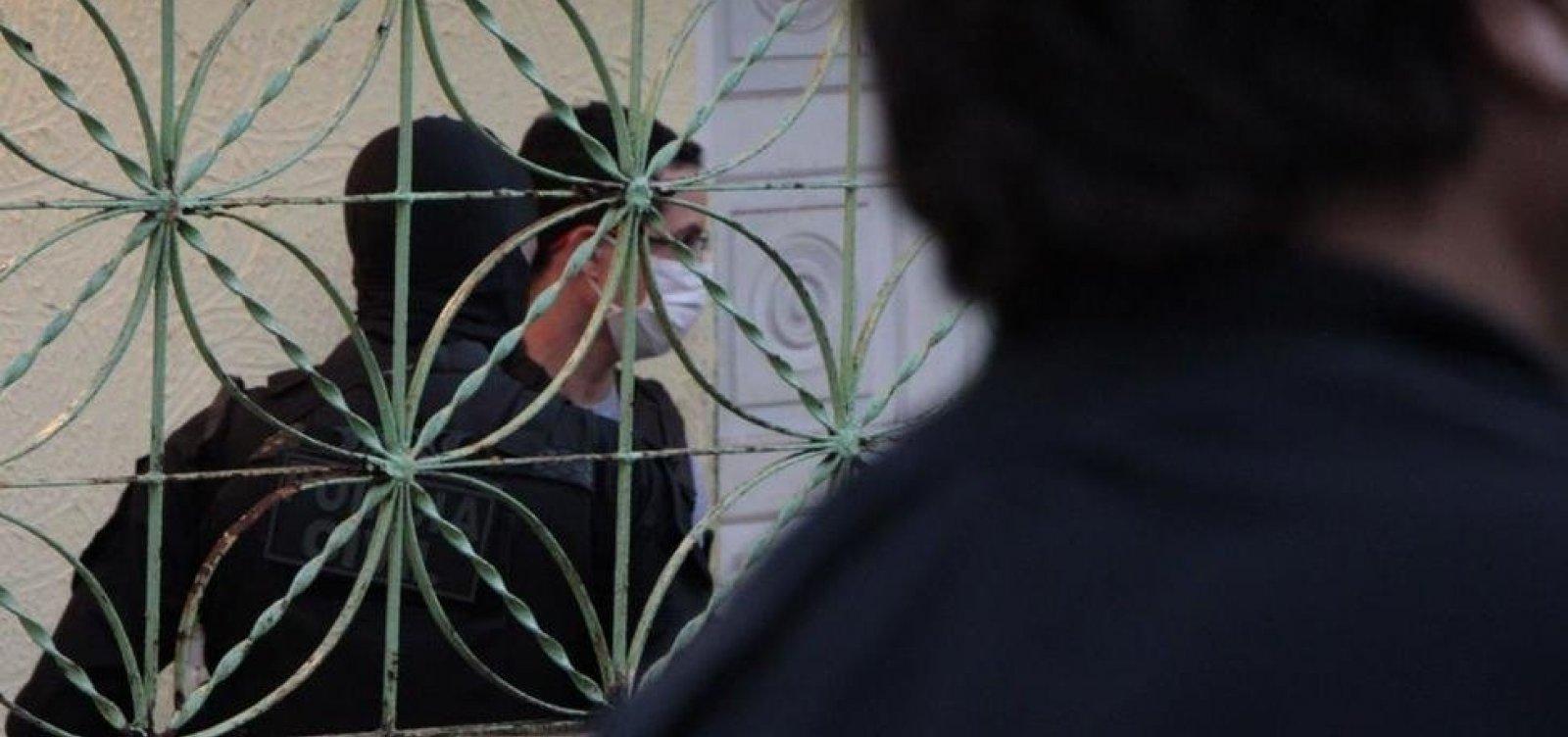 Homem que estuprou e colou olhos e boca de companheira é preso em Conceição do Coité