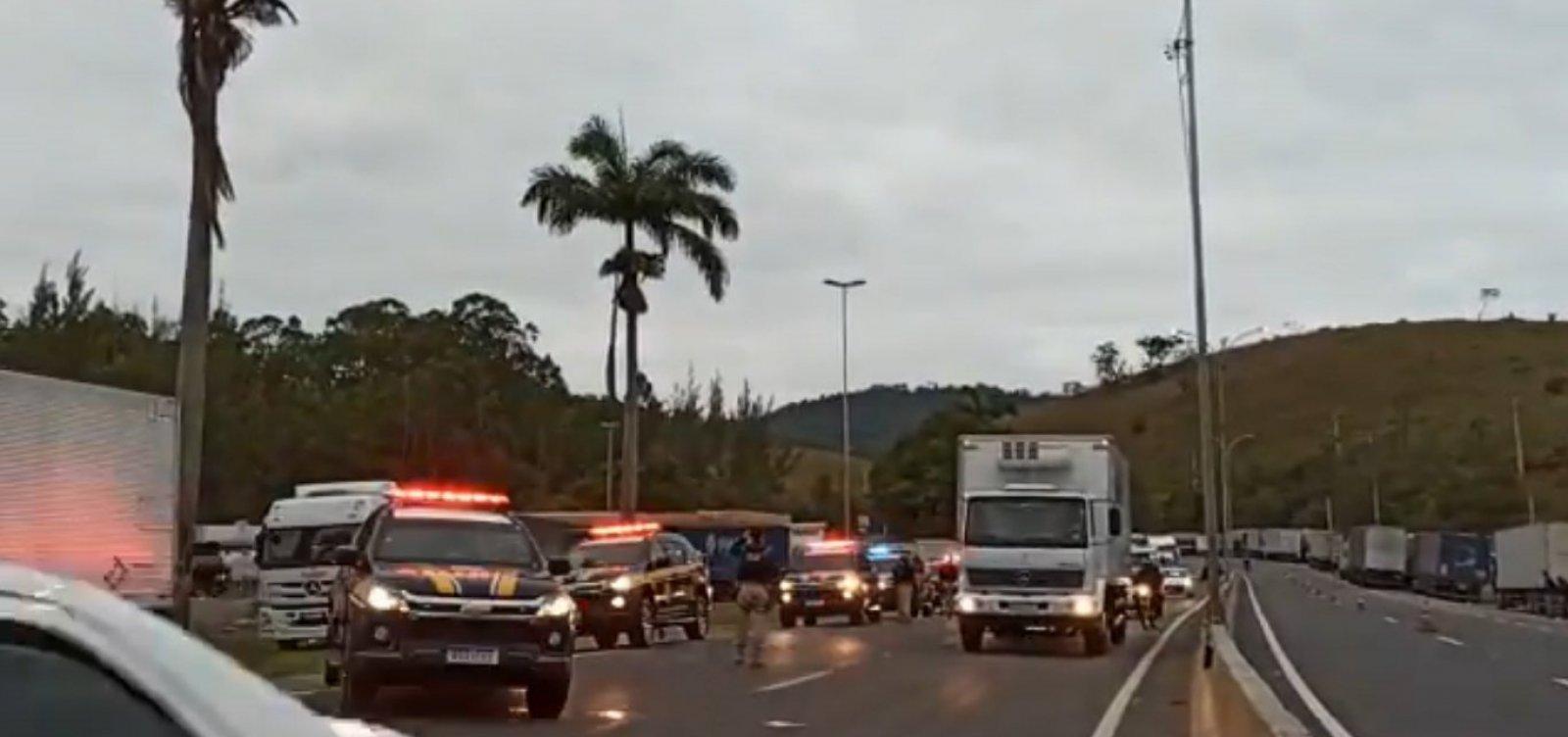 Ao menos 15 estados seguem com protestos de caminhoneiros