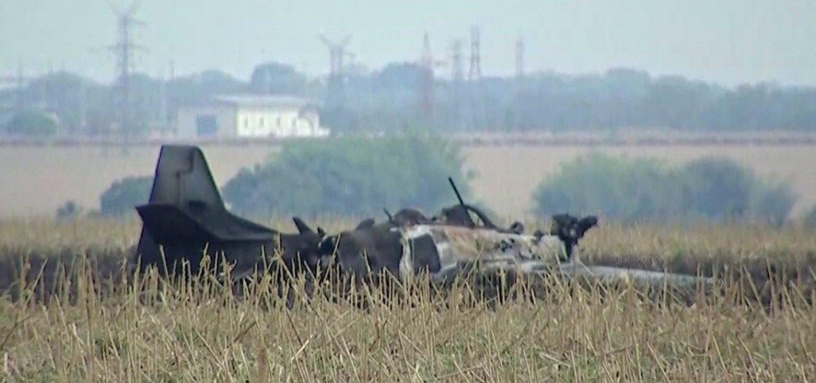 Piloto consegue se lançar para fora antes da queda de aeronave no Mato Grosso do Sul
