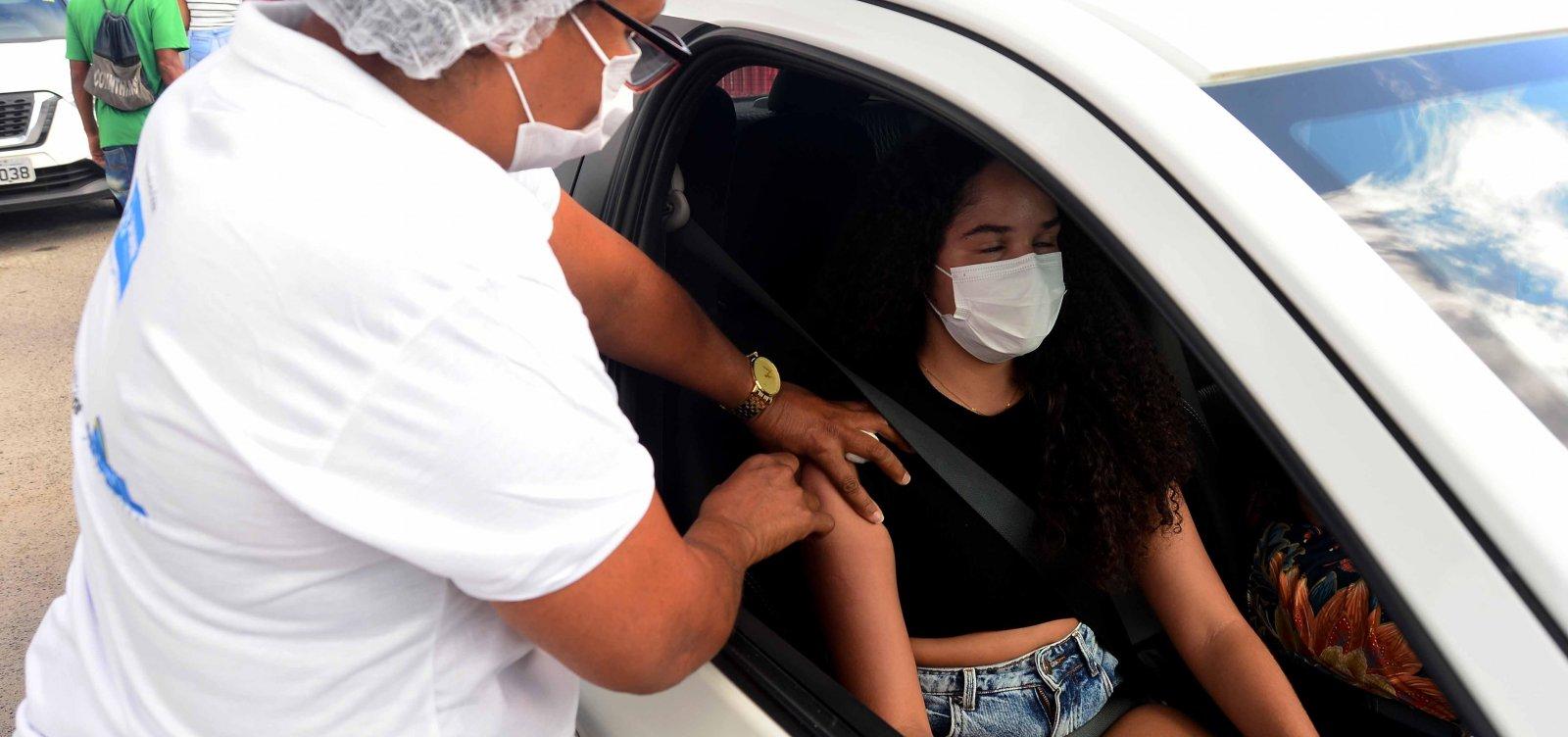 Vacinação contra Covid avança para adolescentes com 15 anos em Salvador