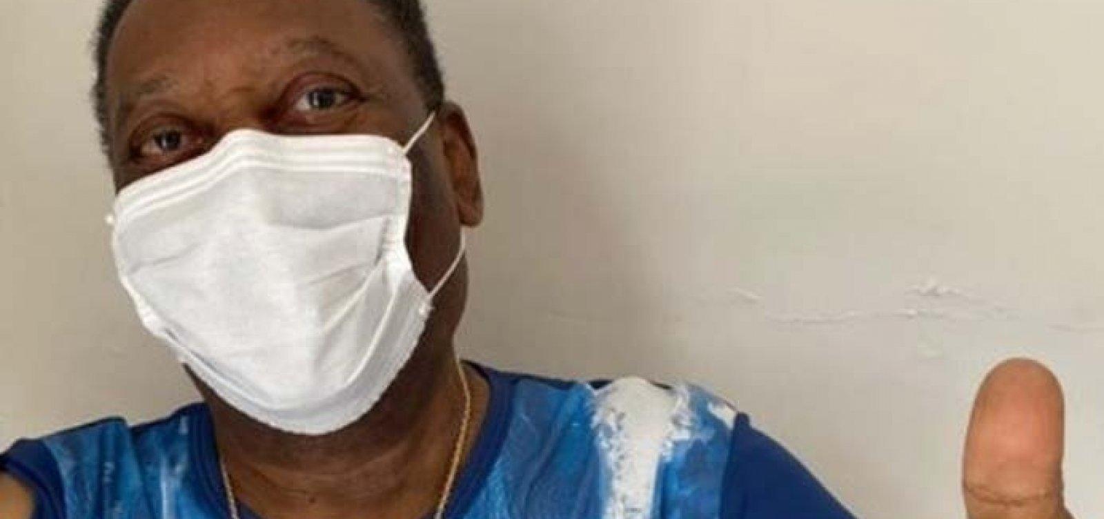 Após 10 dias internado, Pelé recebe alta de UTI