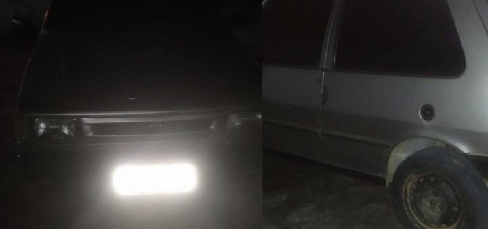 Polícia recupera carro de homem que apostou o veículo em jogo de enganação