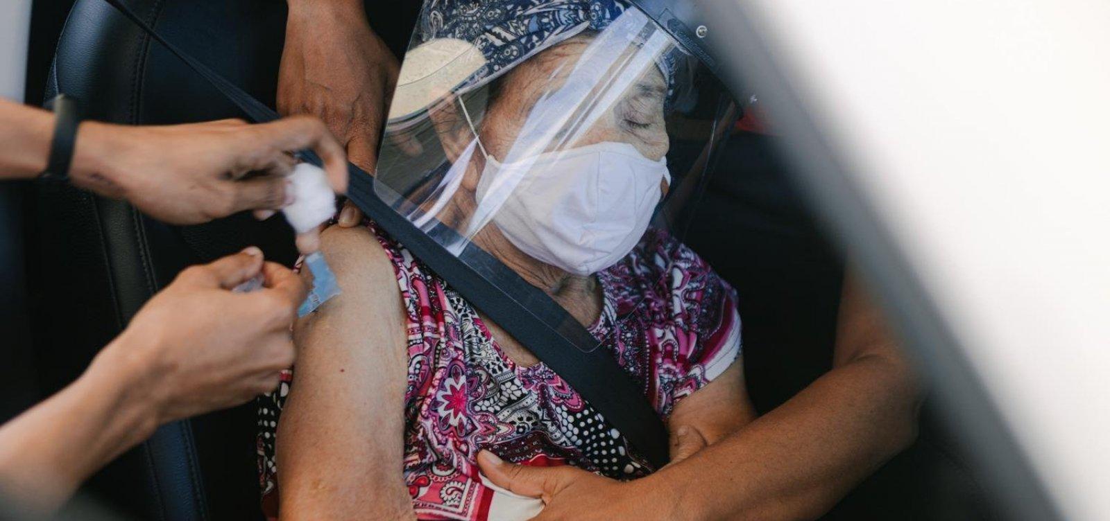 Sem adolescentes, vacinação contra Covid-19 segue com repescagem, 2ª e 3ª doses em Salvador