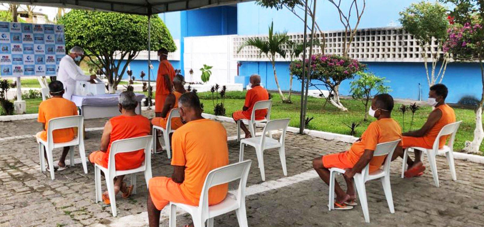 Todos os detentos na Bahia já tomaram pelo menos uma dose da vacina