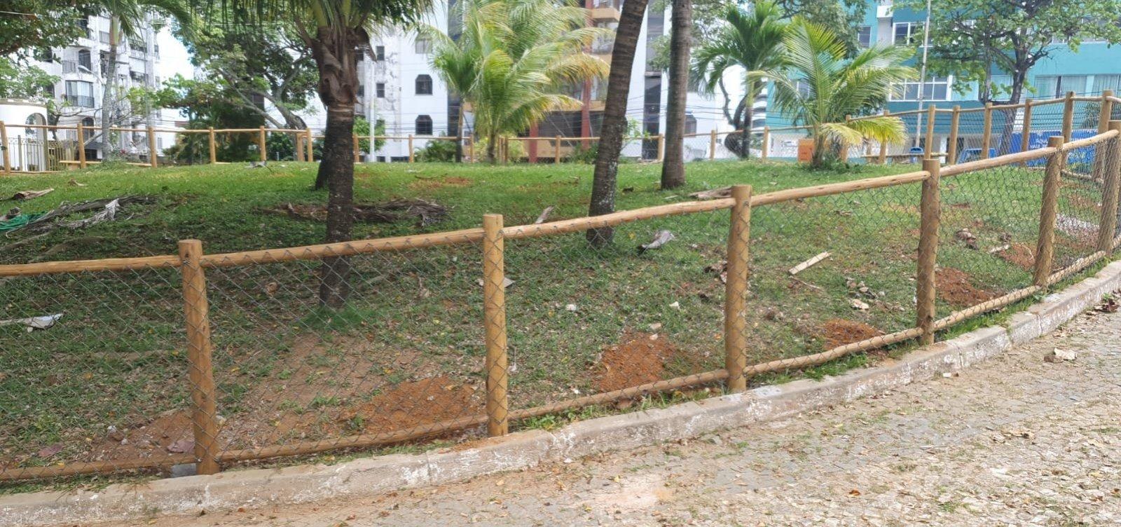 Moradores do Rio Vermelho se queixam de 'cachorródromo' em praça antes de revitalização do espaço
