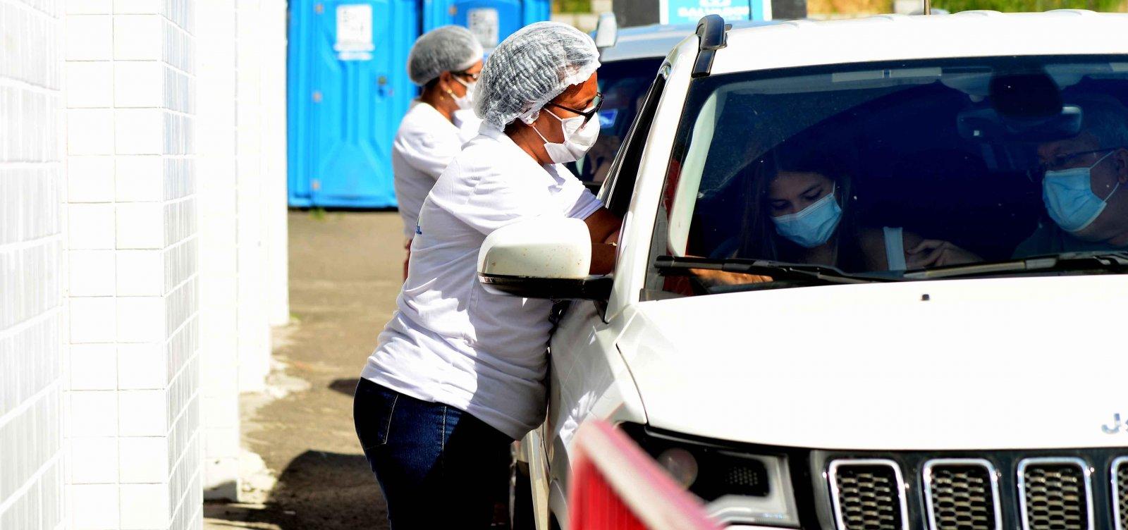 Descumprindo recomendação do MS, Salvador retoma vacinação para adolescentes com 13 anos