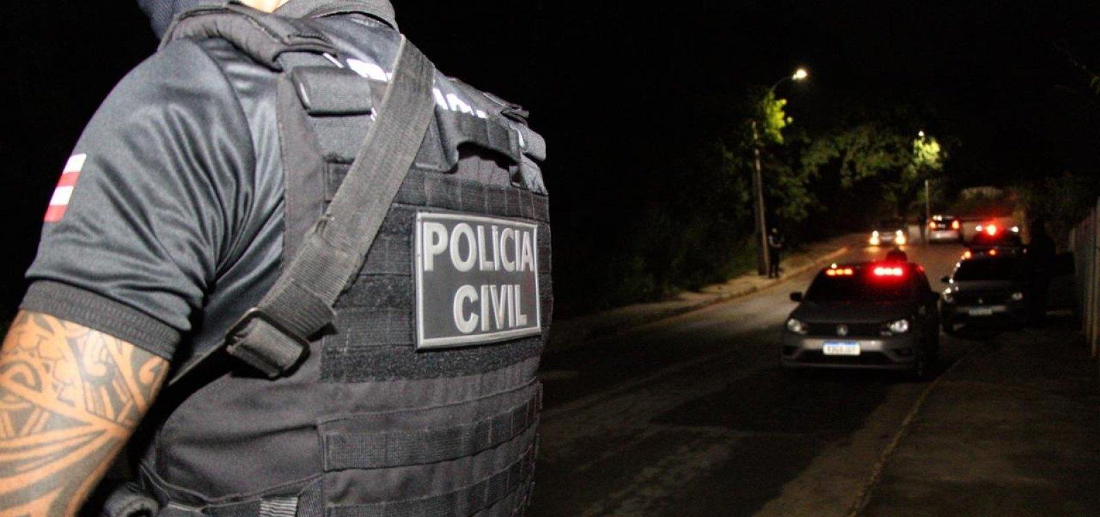 Polícia prende dupla suspeita de planejar ataque contra agência móvel da Caixa