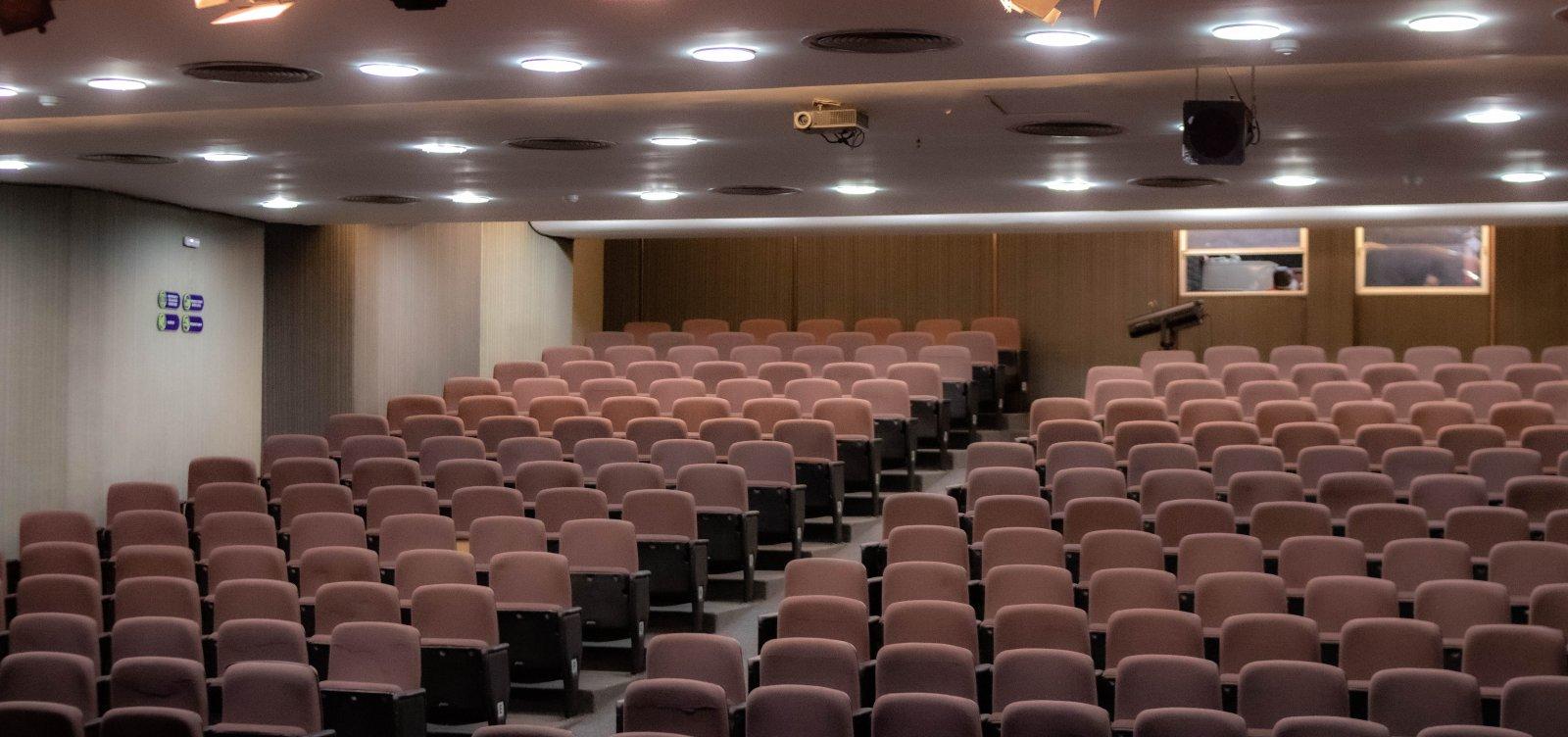 No dia nacional do teatro, reportagem multimídia revela os desafios do teatro virtual baiano durante a pandemia