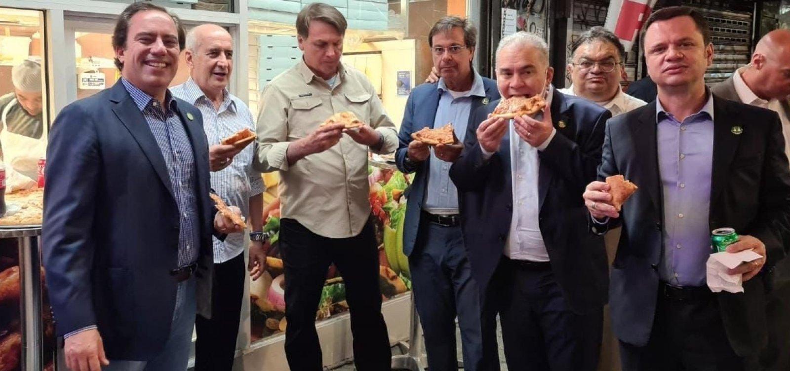 Nos EUA para assembleia da ONU, Bolsonaro entra no hotel pela porta dos fundos e come pizza com aliados